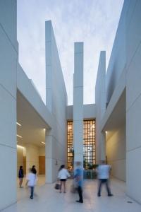 100-Walls-Church-by-CAZA_dezeen_11