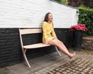 Leaning-Bench-by-Izabela-Boloz_dezeen_468_1